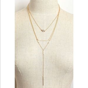 Jewelry - Gold Triple Layer Stone Pearl Design Necklace